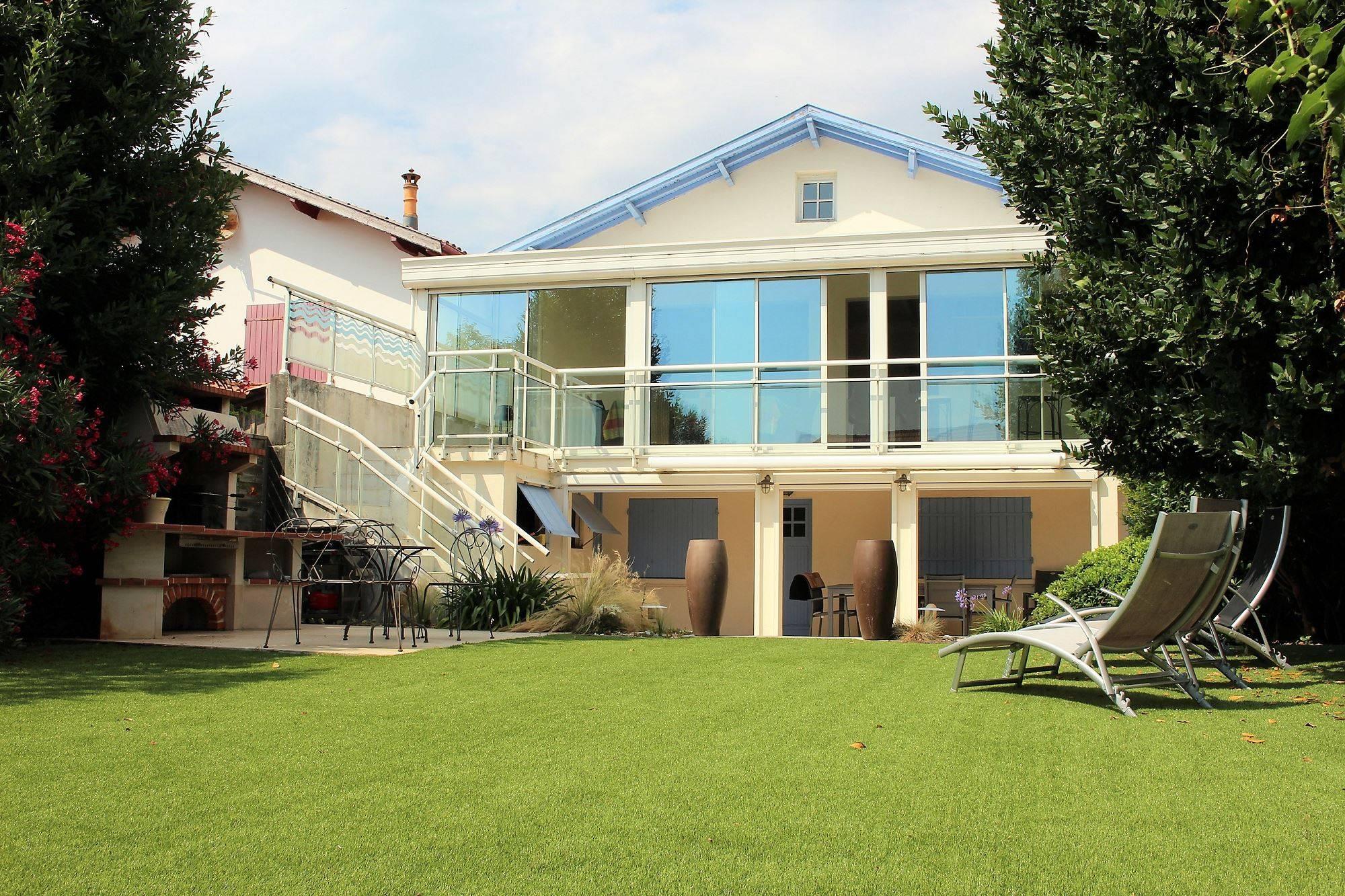 Acheter une superbe maison dans le quartier de l'Aiguillon 4 Chambres - Destrac Immobilier